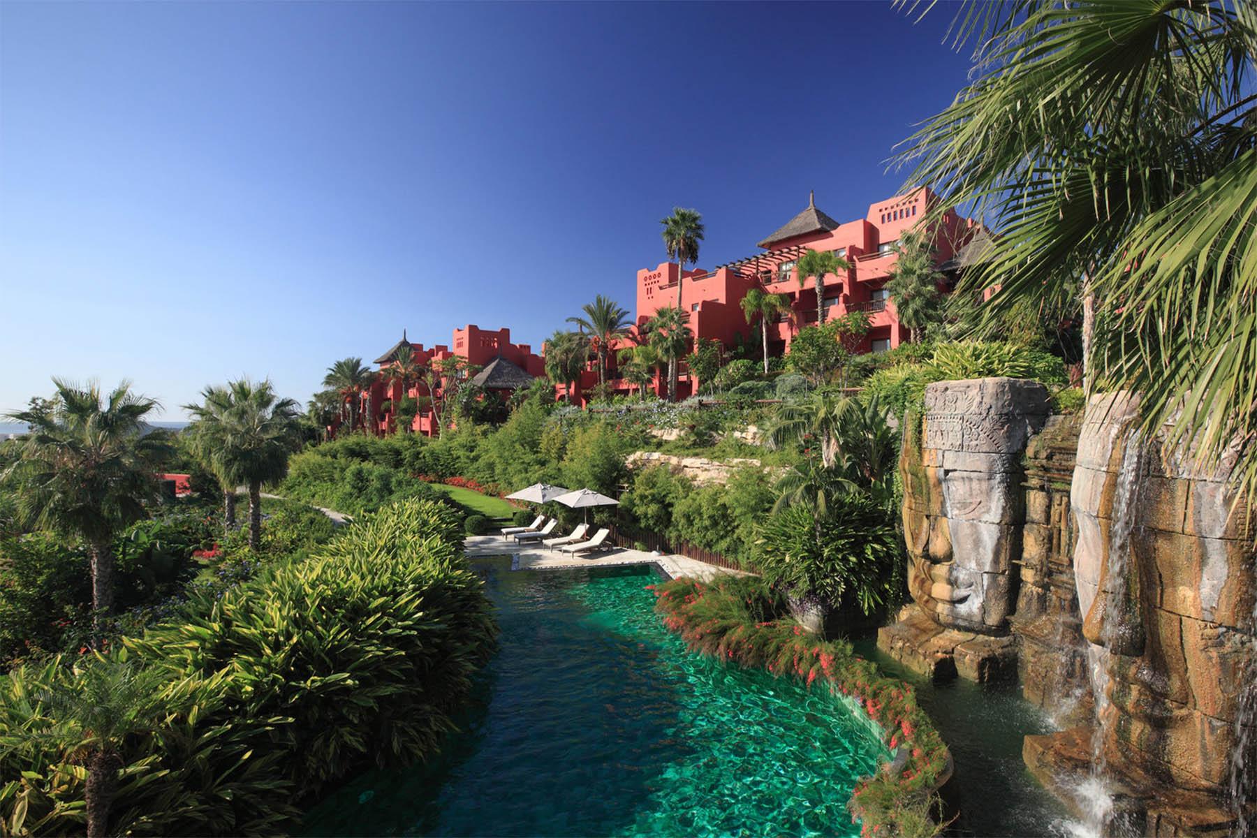 Hideaway Hotel-